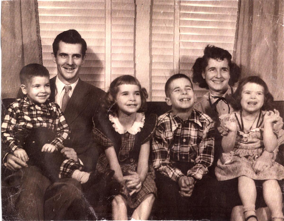 Hilsdon-fam-1951